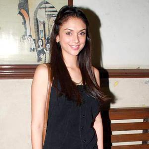 Aditi-Rao-Hydari-during-the-promotion-of-the-movie-London-Paris-New-York-