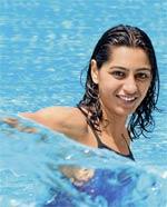 swimmer-shikha-tanson
