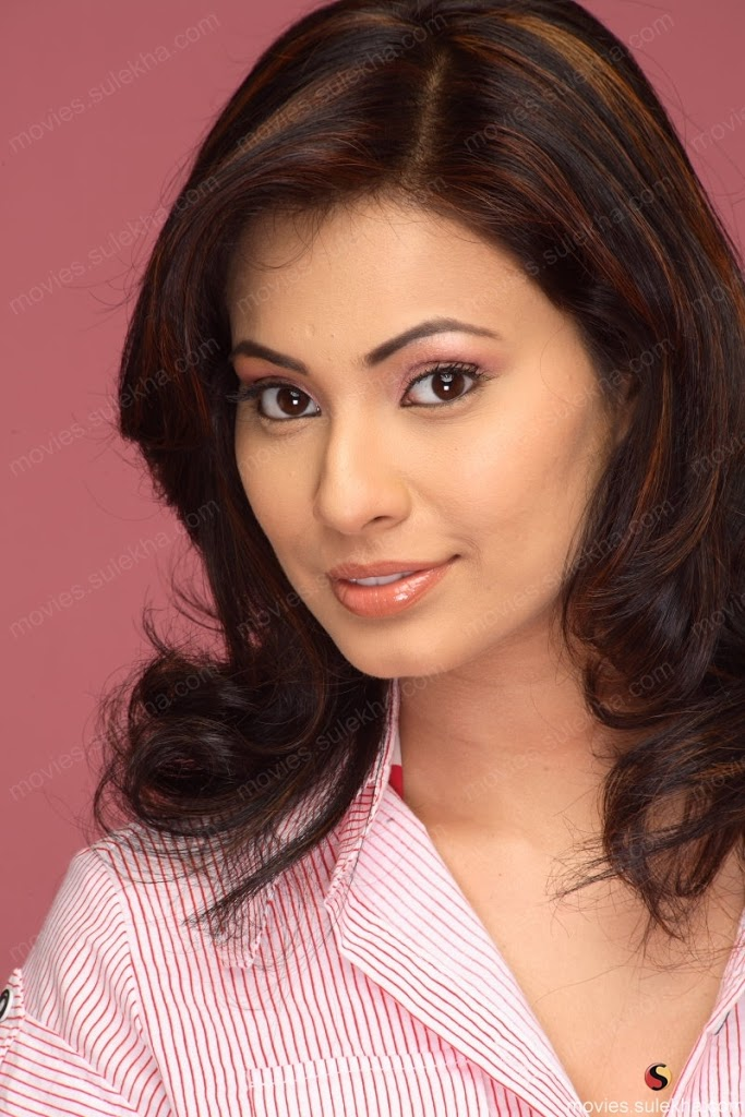 manisha kelkar biography bandook movie actress matpal