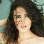 Mandana Karimi [Biography] Bigg Boss 9 Contestant